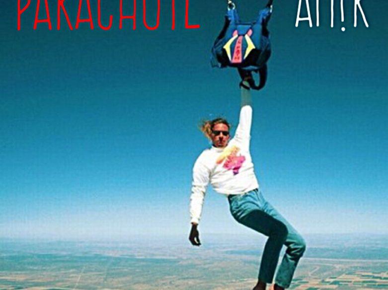 PARACHUTE AM!R