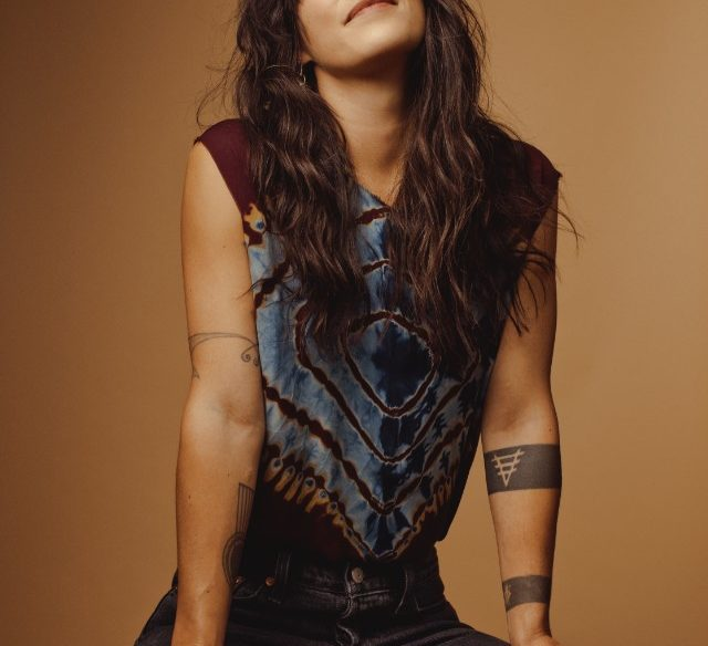 Sharon Van Etten Comeback Kid by Ryan Pfluger