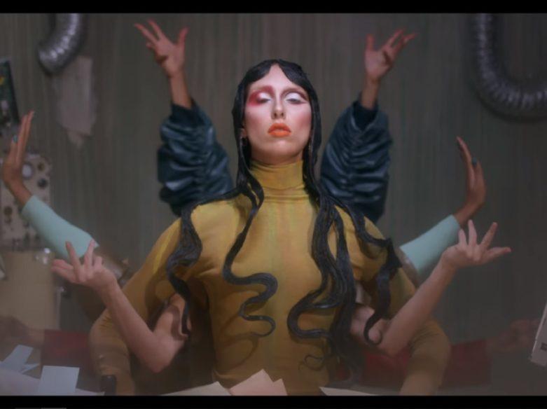 L'impératrice Là-Haut Matahari video