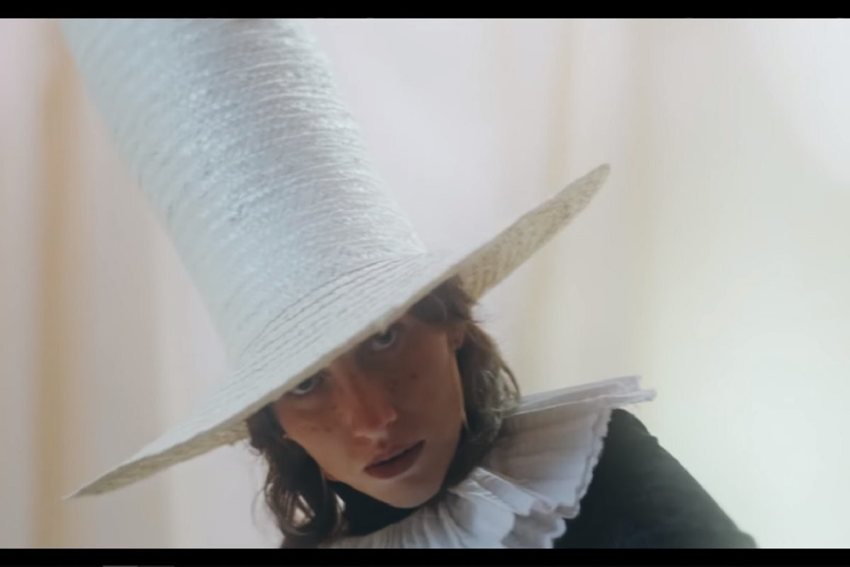 Aldous Harding The Barrel video