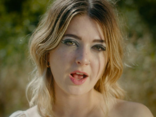 Yumi Zouma Lonely After video