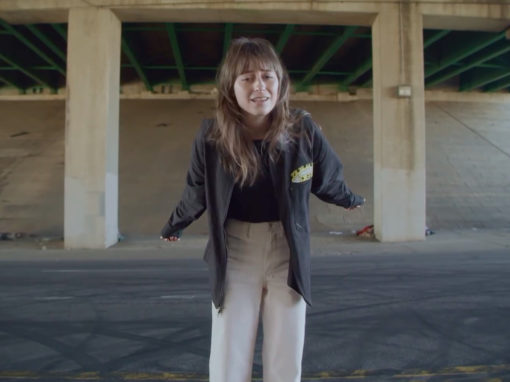 Faye Webster Cheers video