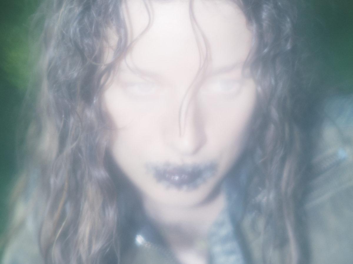 Ydegirl Zodiac video by Clement Mogensen